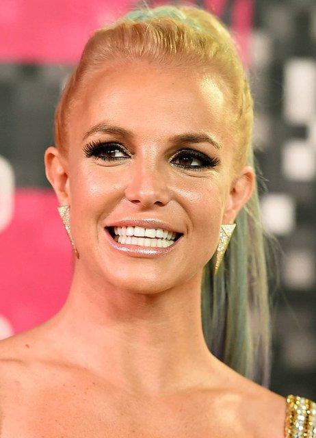Britney Spears, Sam Asghari ile nişanlandıktan sonra sosyal medya hesabını kapattı! - Magazin haberleri