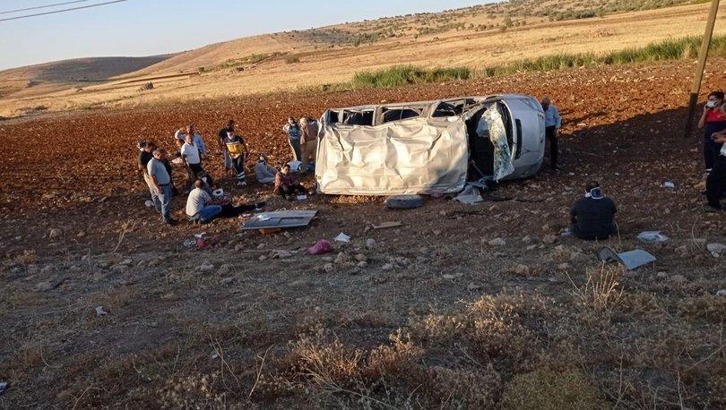 Mardin'de minibüs devrildi: 10 yaralı! - Haberler