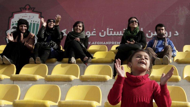Afgan kadın futbol takımı, ülkeyi terk ederek Pakistan'a gitti