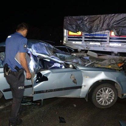 Adana'da otomobil ve TIR çarpıştı: 2 yaşındaki çocuk öldü