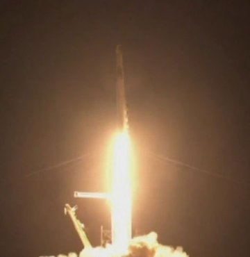 Spacex'in astronotsuz uzay yolculuğu başladı!
