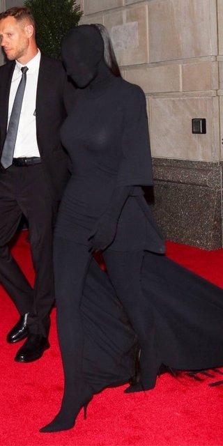 Kim Kardashian MET Gala'daki kostümünü savundu - Magazin haberleri