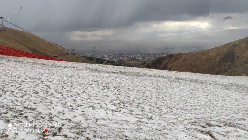 Erzurum'a ilk kar 3 bin 271 metre rakımlı Palandöken Dağı'na düştü