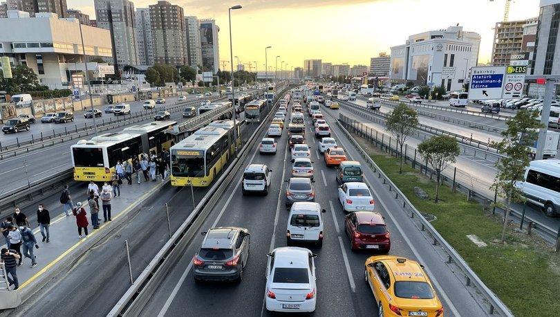 TRAFİK ÇİLESİ! İstanbul'da trafik felç oldu, trafik yoğunluğu %72'yi buldu! - Haberler