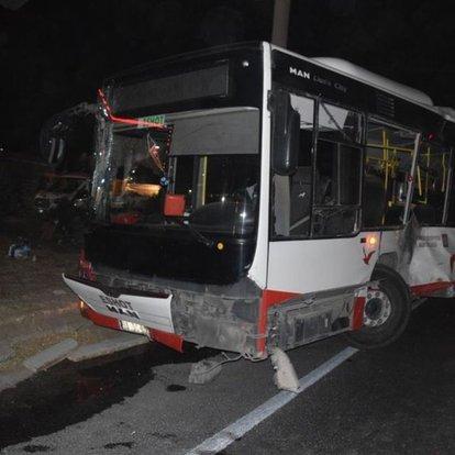 Belediye otobüsü ve tır çarpıştı: 12 yaralı