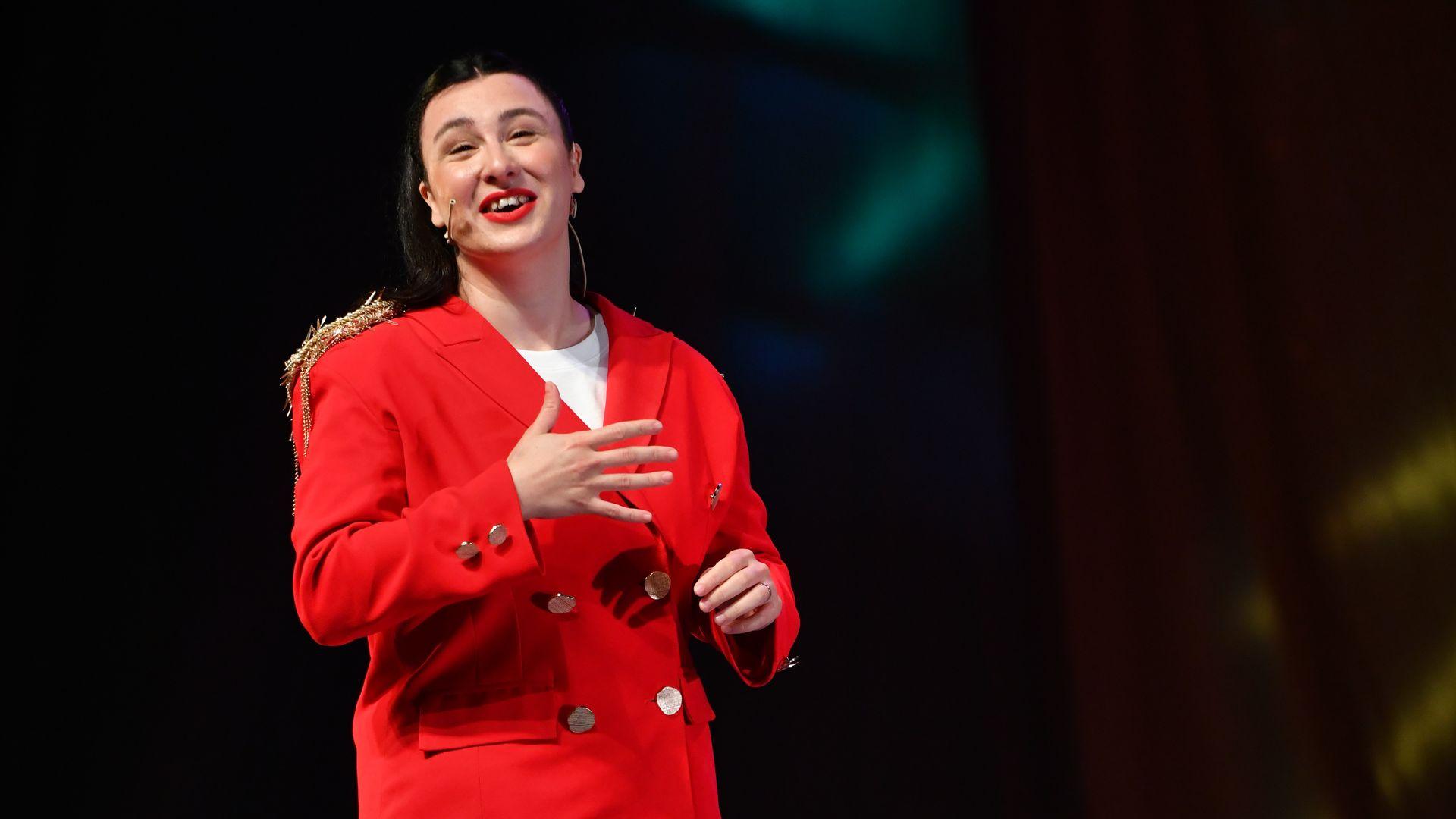 Harbiye Açıkhava Sahnesi'nde gösteri yapan ilk kadın komedyen