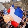 Fransa'da aşı olmayana maaş yok