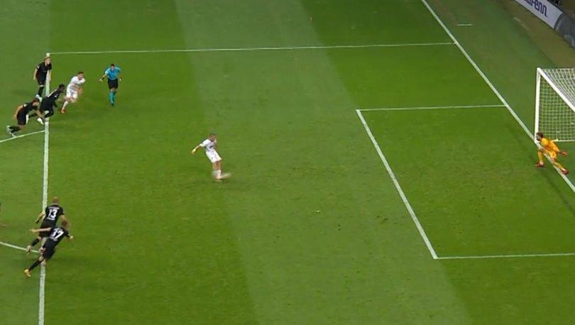 Frankfurt - Fenerbahçe maçındaki Penaltı tekrar edilmeliydi