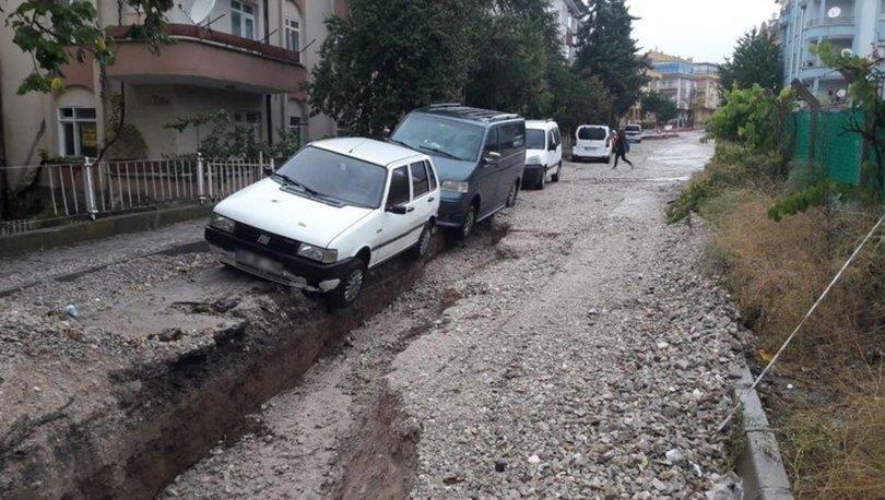 Polatlı'da oluşan yüzey yarıkları vatandaşları endişelendirdi