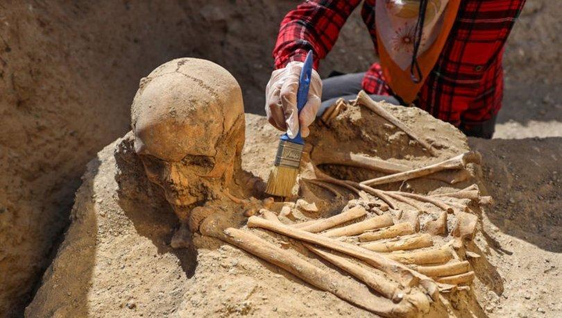 Çavuştepe Kalesi'nde yeni mezar tipi ortaya çıkarıldı