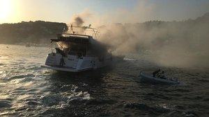 Bebek açıklarında tekne yangını!