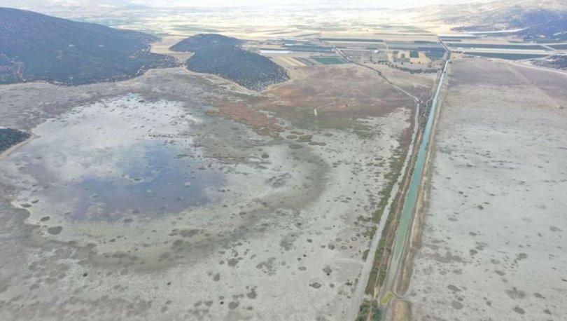 ÇÖLE DÖNDÜ! Son dakika: Antalya'da 850 hektarlık Avlan gölü kuraklığa teslim oldu! - Haberler