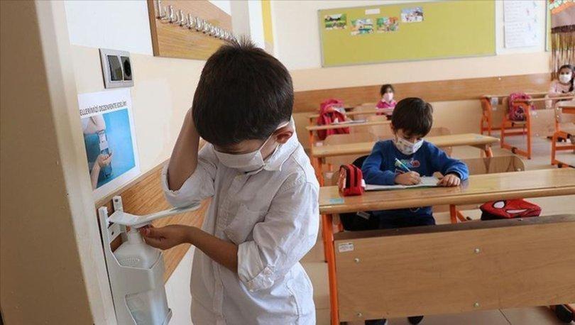 Okullar kapanacak mı? Vaka sayıları yükseliyor! Yüz yüze eğitime devam edilecek mi, ara verilecek mi?