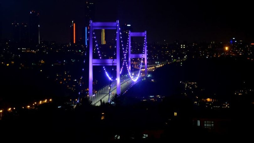 FSM Köprüsü Dünya Alzaymır Günü için ışıklandırıldı
