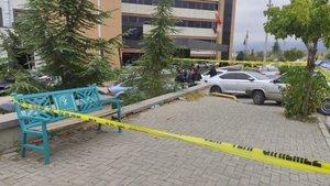 Hastane önünde doktora bıçaklı saldırı!