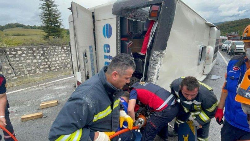 CAN PAZARI! Son dakika: Otomobille çarpışan otobüs devrildi, 3 kişi hayatını kaybetti! - Haberler