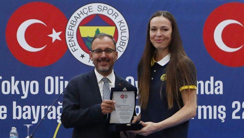 Bakan Kasapoğlu, Fenerbahçe Kulübünün olimpik sporcularla buluşma etkinliğine katıldı