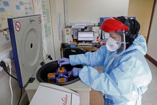 Corona virüsü belirtileri gün gün... Koronavirüs ilk belirtileri nelerdir?