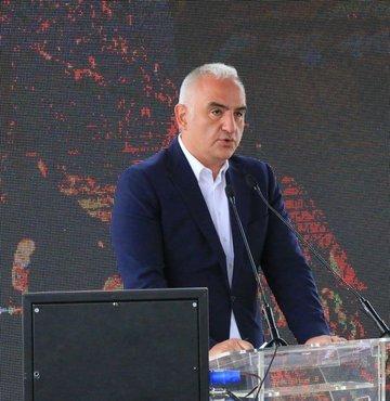 Kültür ve Turizm Bakanı Mehmet Nuri Ersoy, Dil Bayramı dolayısıyla bir mesaj yayımladı. Dil Bayramı
