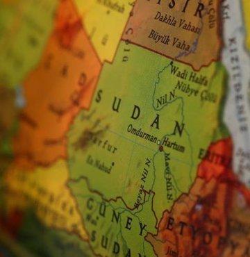 Sudan Enerji ve Petrol Bakanı Cadiyn Ali Ubeyd Hasan, hükümet karşıtı eylemler nedeniyle ülkenin doğusundaki tek petrol boru hattının kapanmasıyla petrol ürünleri stoklarının yalnızca 10 gün yetecek kadar kaldığını söyledi.