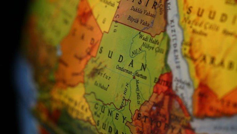 Sudan'da, protestolar nedeniyle 10 günlük petrol stoğu kaldı