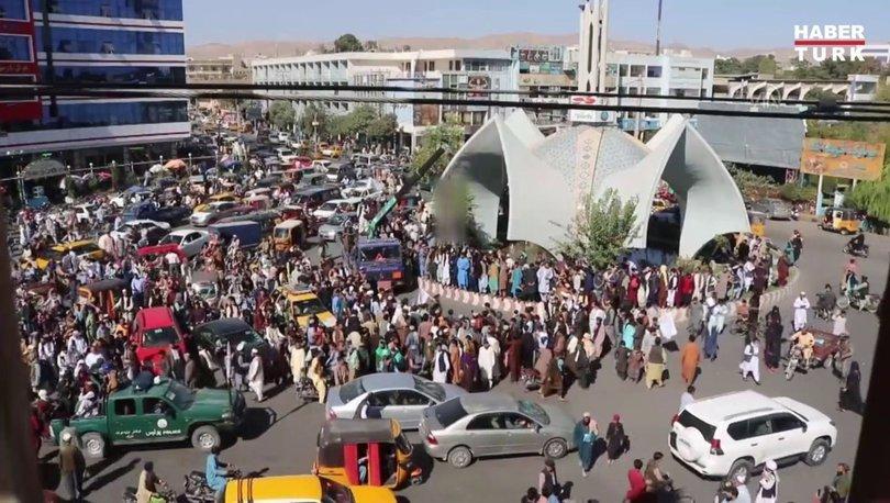 SON DAKİKA: Taliban, 4 kişinin cansız bedenini meydanda astı - Afganistan haberleri