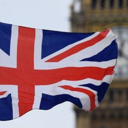 İngiltere, yakıt tedariki sorununu çözmek için askerleri hazır bekletecek