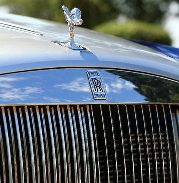 İngiliz lüks otomobil markası Rolls-Royce, ilk tamamen elektrikli otomobilinin yolda test edilmesinin yakın olduğunu duyurdu. Markanın ilk elektrikli modelinin 2023