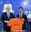 """Emre Belözoğlu, Başakşehir ile 2023 yılına kadar sözleşme imzaladı. 41 yaşındaki teknik direktör, """"Hayalim, Türk futbolunun en iyi teknik direktörlerinden biri olmak. Hedefim Başakşehir"""