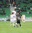TFF 2. Lig Kırmızı Grup 6. hafta karşılaşmasında Sakaryaspor, sahasında karşılaştığı Somaspor'u 3-0 mağlup etti.