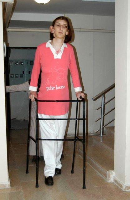 Dünyanın en uzun boylu kadını Rümeysa Gelgi Guinness Rekorlar Kitabı'nda!