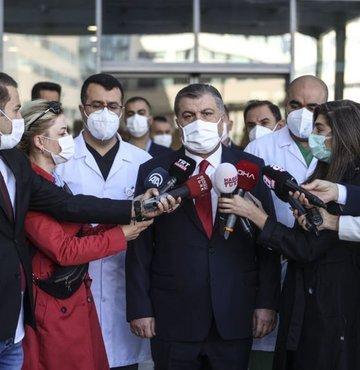 """Sağlık Bakanı Fahrettin Koca, sosyal medya hesabından yaptığı açıklamada, """"18 yaş üstüysek aşılarımızı olalım"""" çağrısında bulundu"""