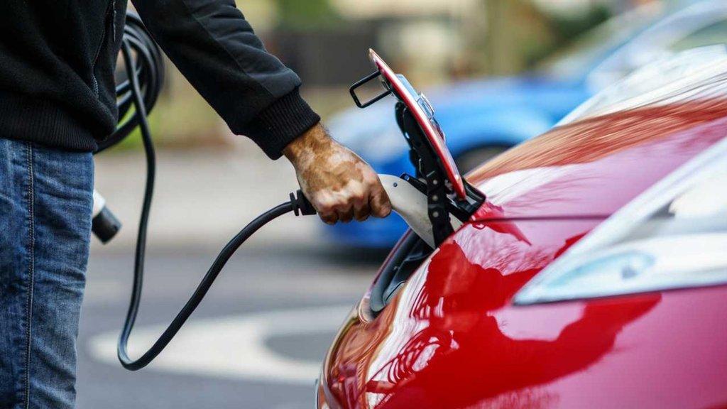 'Elektrikli araç cazip hale getirilmeli'
