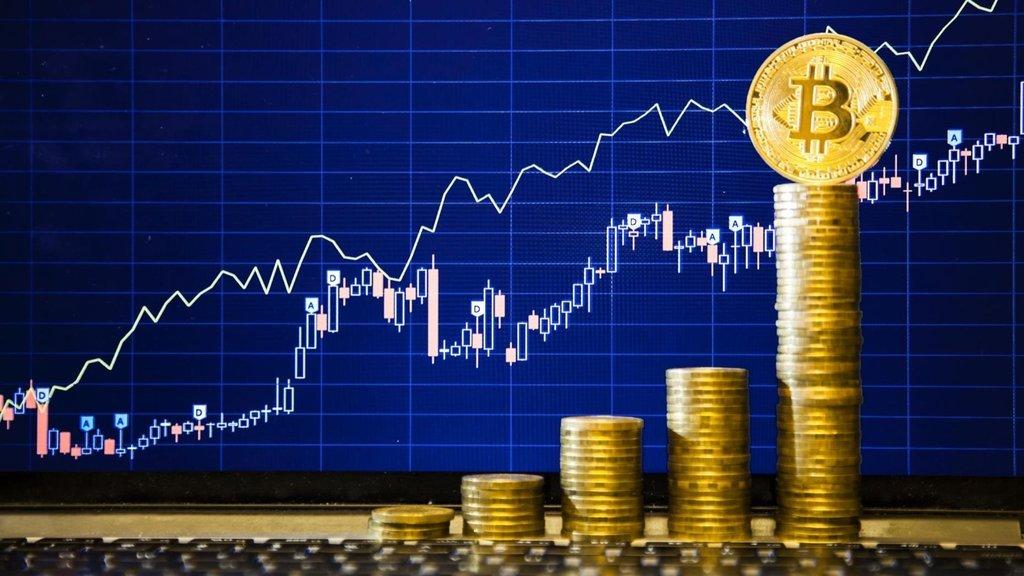 Bitcoin sabaha karşı sert yükseldi