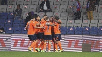 Gol düellosunu Başakşehir kazandı!