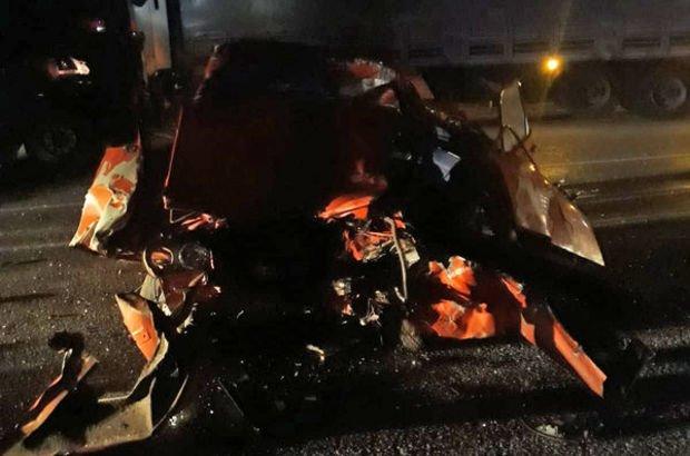 Feci kazada otomobil ile TIR çarpıştı: 1 ölü