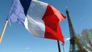 Fransa'dan vatandaşlarına 'akaryakıt' yardımı