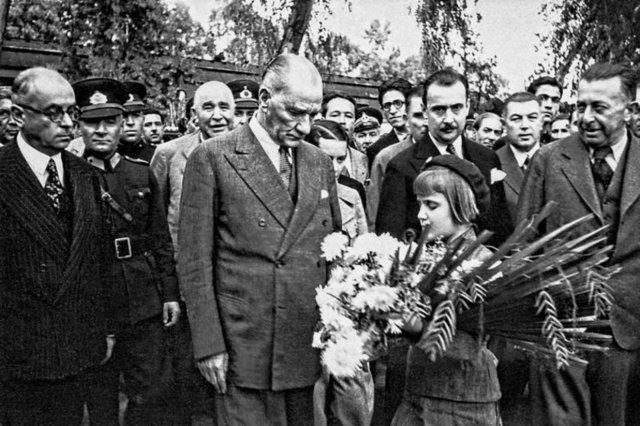 Atatürk'ün bilinmeyen fotoğrafları...