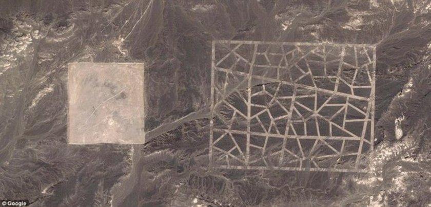 <p><strong>BU FOTOĞRAFLAR ORTALIĞI KARIŞTIRDI!</strong></p>\n<p>Google Maps programından erişilen uydu fotoğrafları, Çin'in Gobi Çölü'nde tanımlanamayan dev yapılar ortaya çıkardı</p>