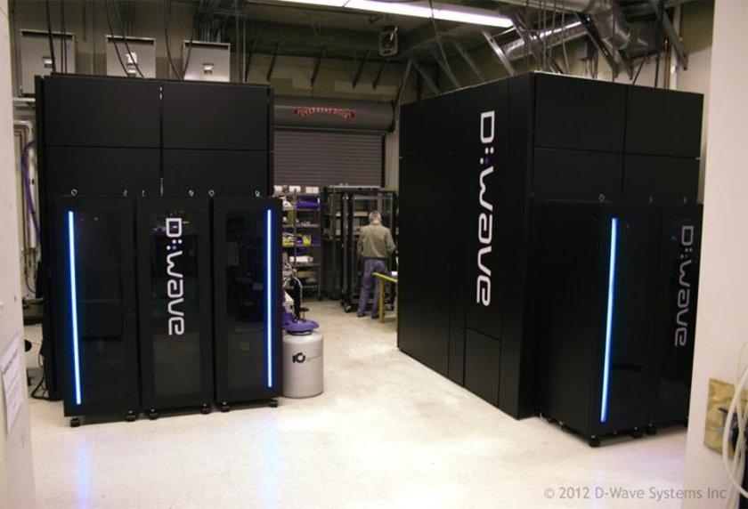 <p>Q için Qubit<br />Google'ın kuantum bilgisayarı projesi. Google, kuantum bilgisayarların üstün işlem kapasitesini Büyük Veri analiz gücünü artırmak için kullanmak istiyor.</p>