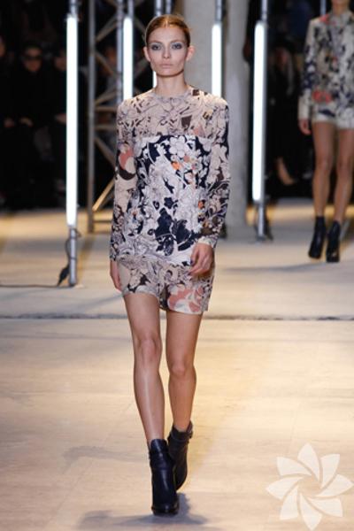 осень 2011 года, мода зима 2012 на фото br /Модные платья осень,зима.