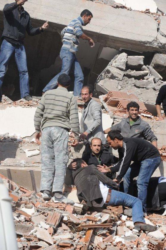 23 Ekim 2011 yılında Van'da meydana gelen deprem Türkiye'yi derinden sarsmıştı.