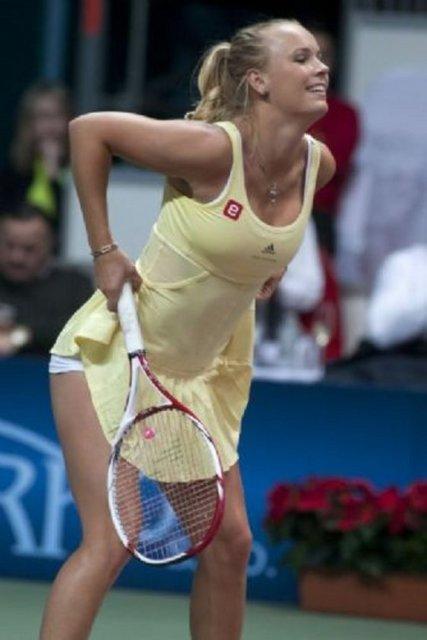 c0f0d4f718a5eb784019c837f64e7707 k - Caroline Wozniacki'den +18'lik şov!