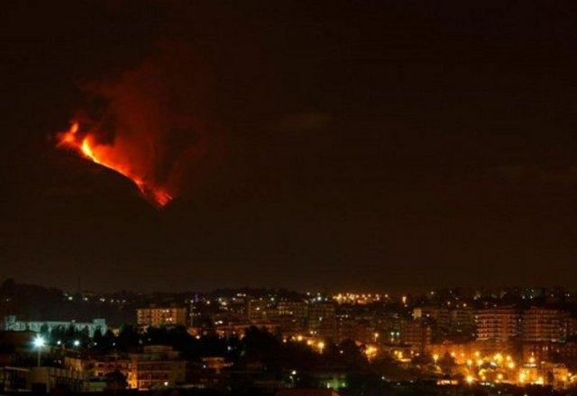 c08cb9c68fc453cdb7c54d09675c3d7c k - 2011'e damga vuran olay ve görüntüler!..