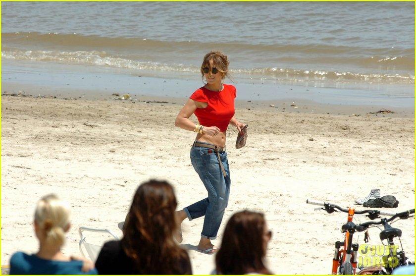Plajda şov yaptı...