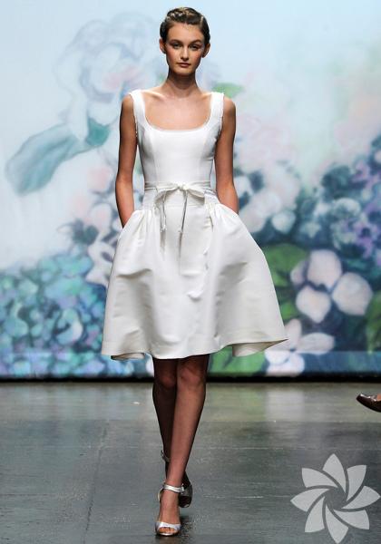 Monique Lhuillier 2013 Gelinlik Modelleri