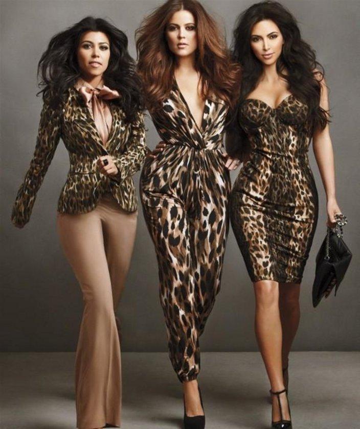 С тремя девушками 4