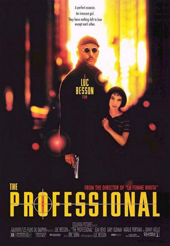 10-Léon (1994)\n\n1990'ların markalaşmış gangster filmlerinden biri. Leon ve Matilda'nın 'Bonnie ve Clyde' referanslı, pedofili alt metinli 'usta-çırak ilişkisi', kuşkusuz kiralık katil hikayeleri özelinde önemli bir yere oturuyor. Luc Besson'un bunun üzerine kolay anlatı, tempo zekası, bolca tür çatısı ve daha nicesiyle gitmesi de bir yönetmen dokunuşu getirmiştir.