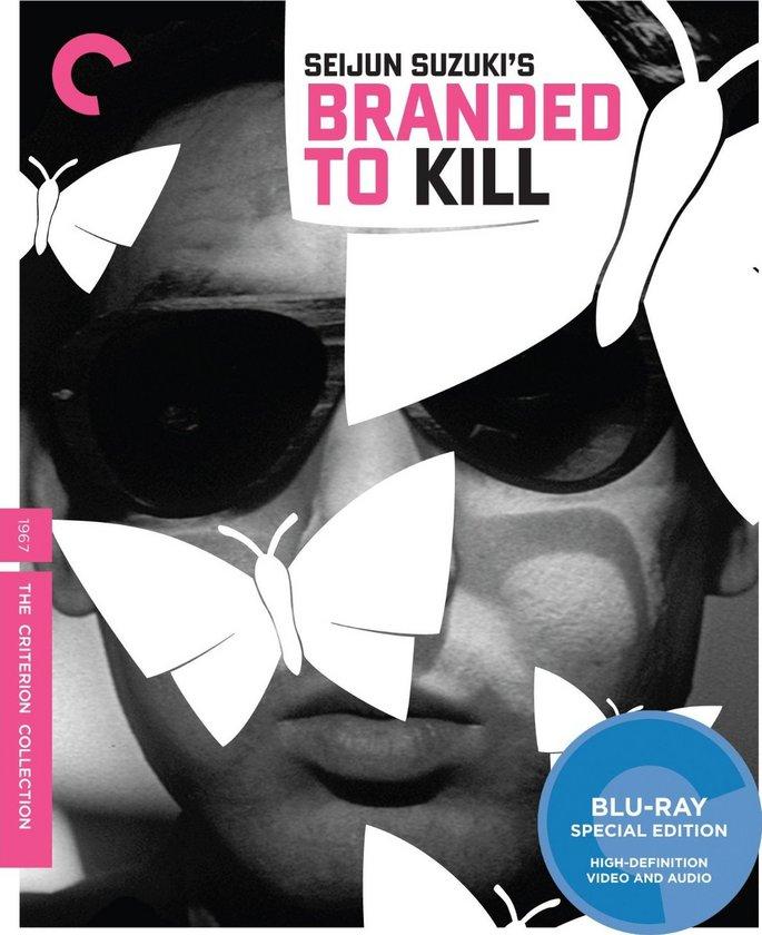 """1-Branded to Kill (Koroshi No Rakuin) (1967)\n\nJaponya'nın kültürel gangster filmi türü 'yakuza filmi'ni bozmak için yola çıkan devrimci bir alt tür örneği. Dünya sinemasında alana dair var olan öğeleri aynı potada eriten """"Branded to Kill"""", dünyanın en önemli iki kiralık katilinin rekabetine odaklanır. Bunlardan ikinci sırada kalanın psikolojisini Godardiyen bir fetiş unsuruna çevirirken, siyah-beyaz pelikülde biçimci evreler ve katıksız bir anti-kahraman üretmiştir. Hatta David Lynch'den Takashi Miike'ye uzanan geniş bir skalada da iz bırakmıştır. Sözü geçen eser için Japon Yeni Dalgası'nın en has ismi Seijun Suzuki'nin şaheseri ve sinema tarihinin en iyi filmlerinden biri diyebiliriz."""