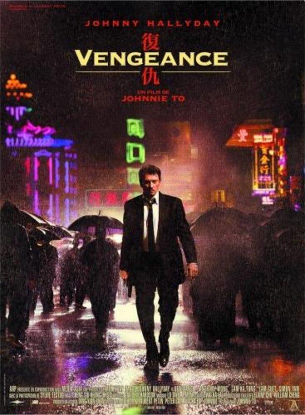 """14-İntikam Peşinde (Vengeance) (2009)\n\nJohnny Hallyday'in canlandırdığı yitip gitmeye yüz tutmuş bir kiralık katilin, 'triad' üyeleriyle bir araya gelip üzerine gittiği görevin adresi. Johnnie To'nun John Woo'nun """"Katil""""ine cevabı olarak anılabilecek eser, stilize bir sinema şovu aynı zamanda. Ancak Nicolas Winding Refn'in """"Sürücü""""sü kadar devrimci değil. Daha çok alanın içinde 'kuşak çatışması' açısından bir 'taban'a oturuyor.."""